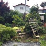 【庭】和室前の廊下とリビングから庭を眺められます。