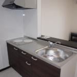 LDK(写真はB棟201号室)(キッチン)